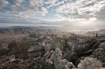 Tussillo, Villa Sant'Angelo (AQ) – Il diradarsi della nebbia svela la situazione del paese..