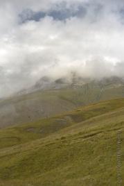 Il Monte Vettore circondato da nuvole